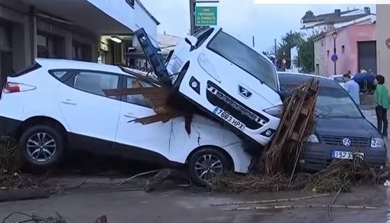 Nove morti a Maiorca per maltempo. Allerta in Sardegna. Chiuse scuole a Cagliari