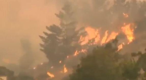 Incendi in California: 11 morti, 35 dispersi e 250 mila sfollati