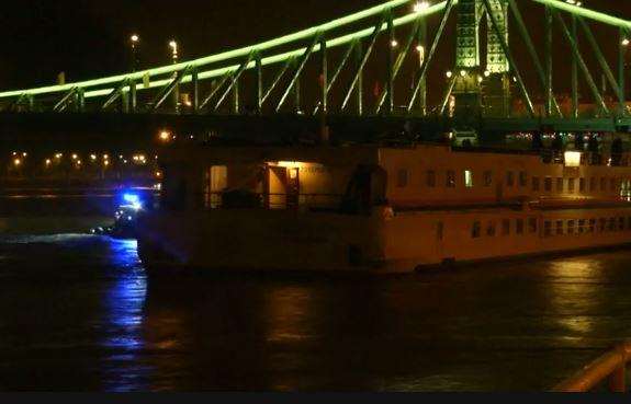 Budapest: affonda battello sul Danubio. 7 turisti morti. 19 dispersi