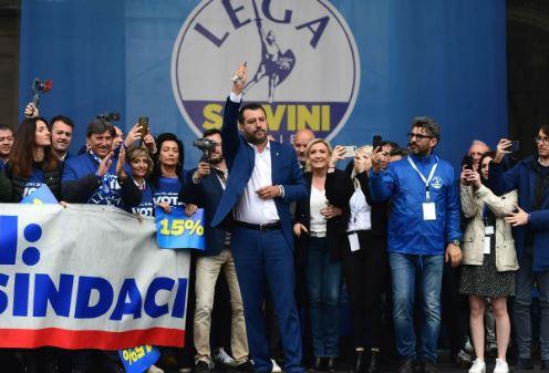Salvini: dalla pagana fonte del Po al Rosario