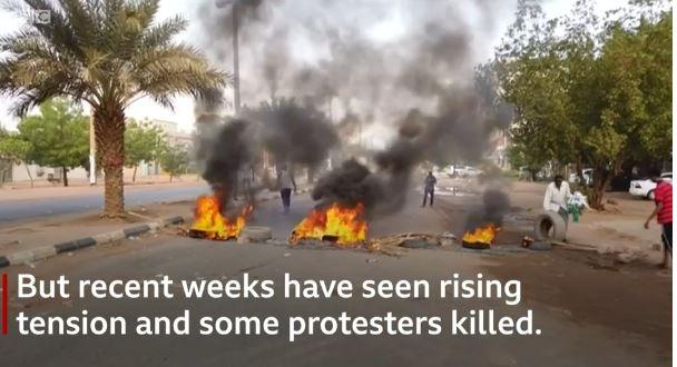 Scontri politici in Sudan: 60 morti