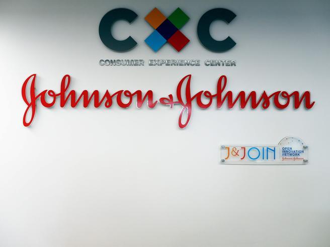 La Johnson & Johnson multata per 572 milioni per la crisi da oppiacei