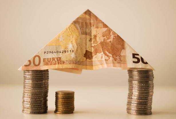 """I risparmi """" congelati"""": necessaria una politica economica che dia fiducia – di Giovanni Palladino"""