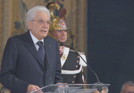 """Commosso appello di Mattarella """"A tutti coloro che si sacrificano per noi"""" – di Giuseppe Careri"""