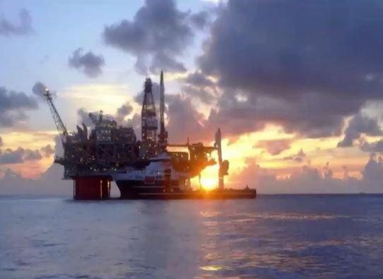 """Esercitazioni navali nel Mediterraneo. Sullo sfondo la """"guerra"""" per il petrolio tra Turchia e Grecia"""